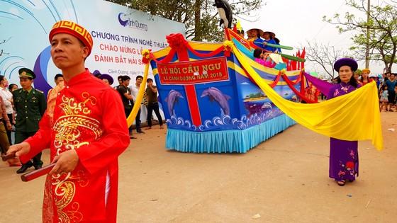 Lễ hội cầu ngư và xuất quân đánh cá tại làng biển Cảnh Dương ảnh 9