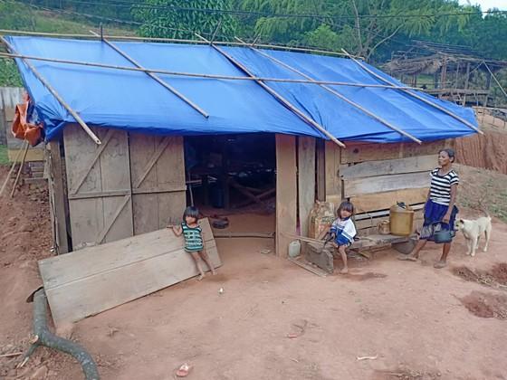 Quảng Bình: Huyện xóa mái tranh nghèo giúp dân, xã làm ngơ cho kẻ tù treo đến phá ảnh 3