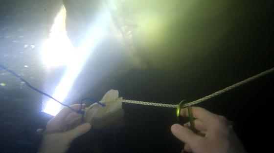 Nghẹt thở quang cảnh lặn sông ngầm bên dưới Sơn Đoòng ảnh 12