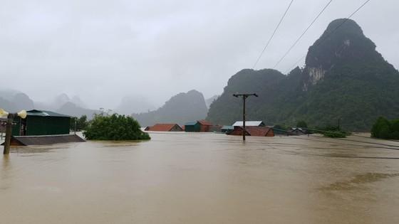 Mưa lớn, lũ dâng ngập Tân Hóa vượt mốc năm 2016 ảnh 5