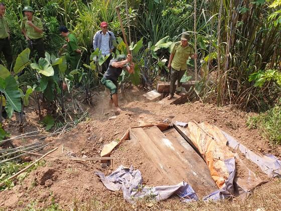 Quảng Bình: 7 lãnh đạo đồn biên phòng Cồn Roàng bị kỷ luật từ cảnh cáo đến khiển trách liên quan đến vụ phá rừng gỗ mun ảnh 1