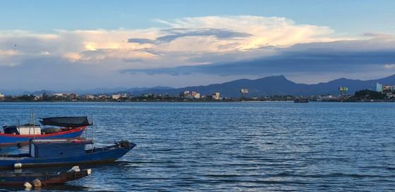 Đôi bờ sông Nhật Lệ bừng sáng sau khi được chỉnh trang  ảnh 20