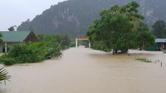 Hơn 12.000 nhà dân ở Quảng Bình ngập nặng ảnh 13