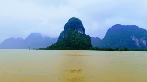 Hơn 12.000 nhà dân ở Quảng Bình ngập nặng ảnh 11