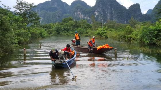 Hơn 12.000 nhà dân ở Quảng Bình ngập nặng ảnh 9