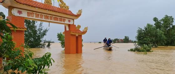 Hơn 12.000 nhà dân ở Quảng Bình ngập nặng ảnh 6