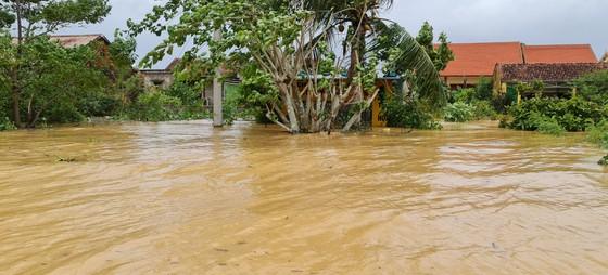 Hơn 12.000 nhà dân ở Quảng Bình ngập nặng ảnh 3