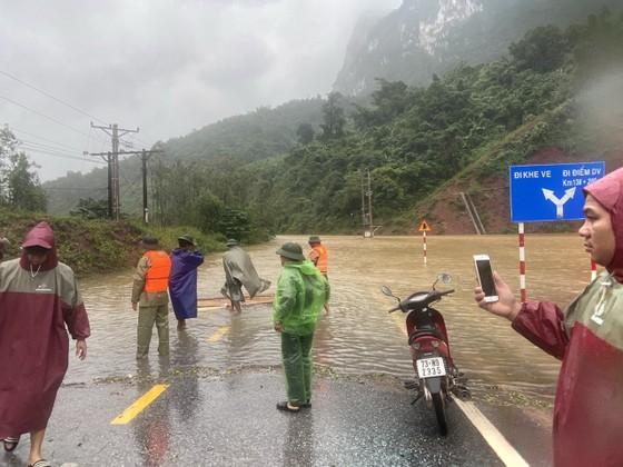 Sụt trượt đất tại đồn biên phòng quốc tế Cha Lo, hàng chục cán bộ chiến sĩ thoát nạn trong gang tấc ảnh 3