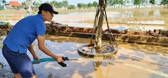 Quảng Bình: Hỗ trợ khẩn cấp 100 tỷ đồng cho hơn 100.000 hộ dân bị lũ lụt hoành hành ảnh 16