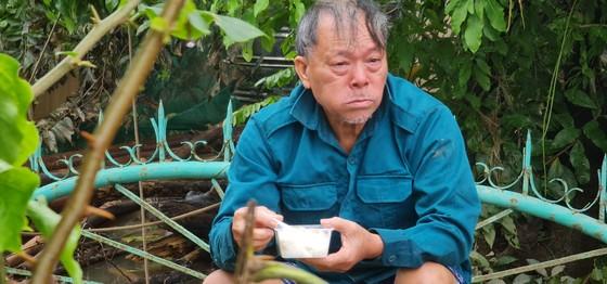 Gặp lại cụ ông bật khóc ở Quảng Bình ảnh 1