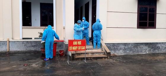 Quảng Bình: 3 trường hợp nhập cảnh trái phép từ Campuchia âm tính lần 1 với SARS-CoV-2 ảnh 2