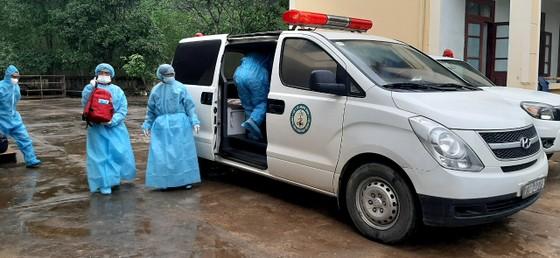 Quảng Bình: 3 trường hợp nhập cảnh trái phép từ Campuchia âm tính lần 1 với SARS-CoV-2 ảnh 1
