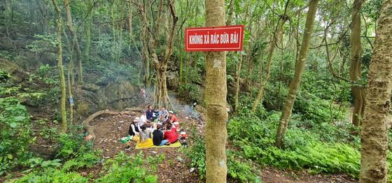 Quảng Bình: Cần quản lý chặt danh thắng núi Thần Đinh ảnh 1