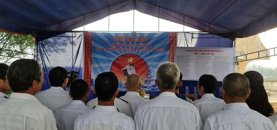 Dâng hương tưởng nhớ 64 anh hùng liệt sĩ Gạc Ma ảnh 13