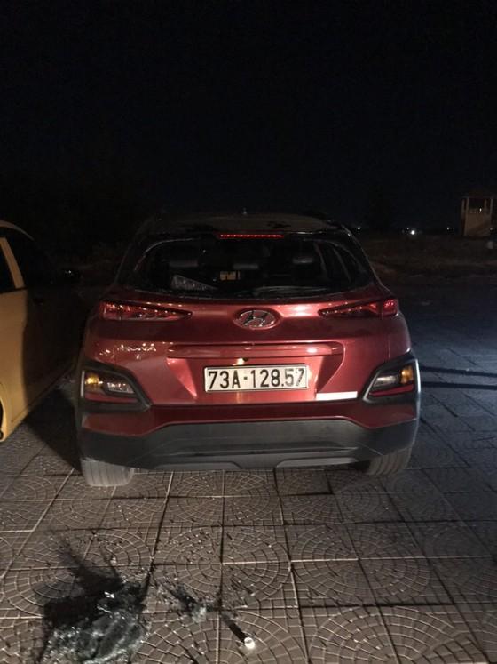 Quảng Bình: Quản thúc đối tượng đập phá hàng loạt ô tô lấy tiền tiêu xài ảnh 2