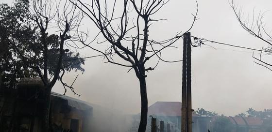 Xưởng gỗ trong khu công nghiêp tại Quảng Bình bị thiêu rụi lúc sáng sớm ảnh 1