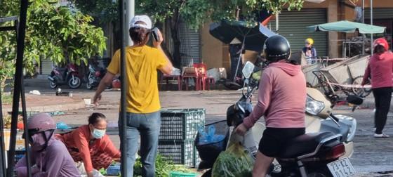 Bí thư Tỉnh ủy Quảng Bình yêu cầu phường giải trình việc người dân đi chợ ở nơi có ổ dịch Covid-19 ảnh 2