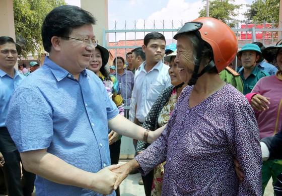 Phó Thủ tướng Trịnh Đình Dũng khảo sát sạt lở ở An Giang ảnh 1