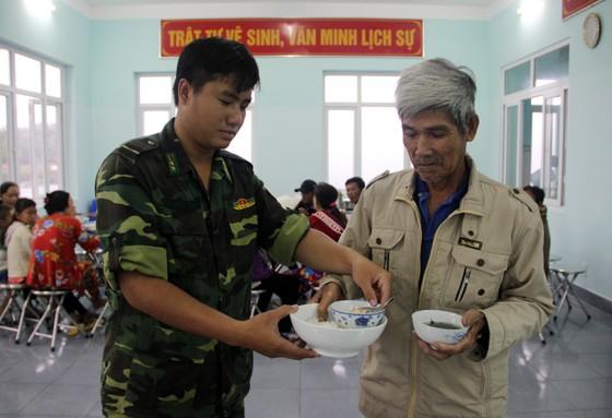 Vũng Tàu - Bến Tre mưa lớn, gió giật mạnh, Khánh Hòa - Ninh Thuận ngập lụt, đường sắt tê liệt  ảnh 13