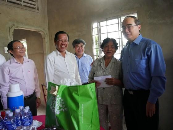 Bí thư Thành ủy TPHCM Nguyễn Thiện Nhân: Đoàn kết là sức mạnh góp phần xây dựng nông thôn mới ảnh 1