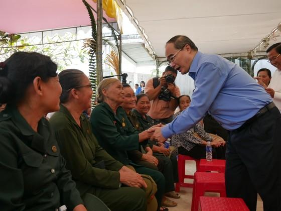 Bí thư Thành ủy TPHCM Nguyễn Thiện Nhân: Đoàn kết là sức mạnh góp phần xây dựng nông thôn mới ảnh 2