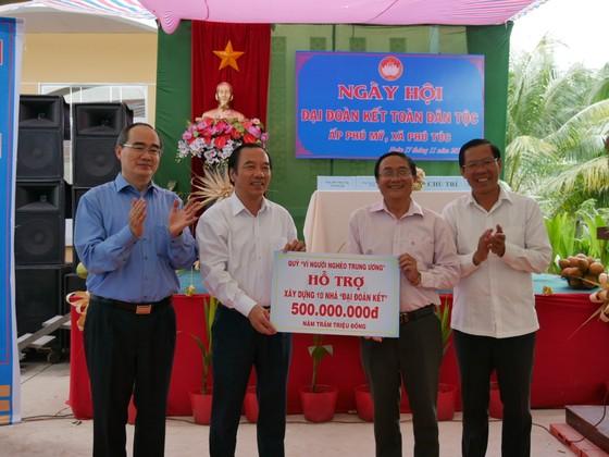 Bí thư Thành ủy TPHCM Nguyễn Thiện Nhân: Đoàn kết là sức mạnh góp phần xây dựng nông thôn mới ảnh 3