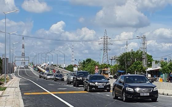 Thông xe cầu Tân An trên quốc lộ 1A và 5 cầu trên quốc lộ N1  ảnh 1