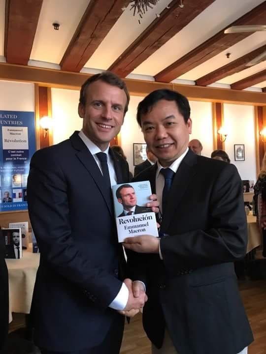 First News được chọn ký hợp đồng bản quyền xuất bản sách của Tổng thống Pháp Macron ảnh 1