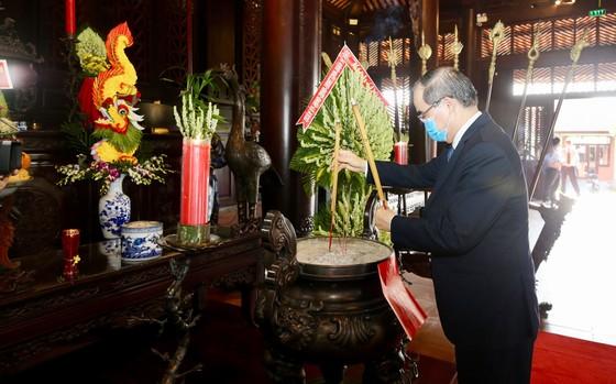 Lãnh đạo TPHCM dâng hương Giỗ Tổ Hùng Vương năm Canh Tý 2020 ảnh 7