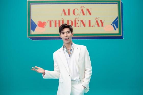 Dàn sao hàng đầu của Làn sóng xanh hát về tấm lòng tử tế của người dân Việt Nam ảnh 5
