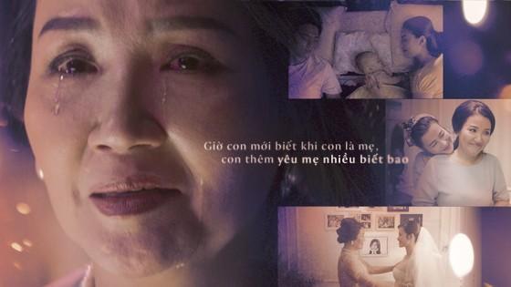 """Đông Nhi giới thiệu MV """"Khi con là mẹ"""" đầy xúc động ảnh 1"""