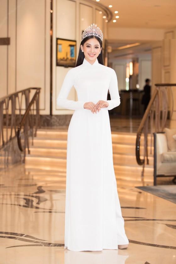 Dàn hoa hậu, á hậu khoe sắc áo dài trắng khởi động Hoa hậu Việt Nam 2020 ảnh 3