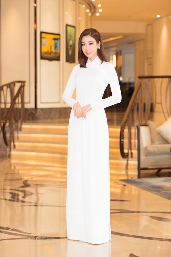 Dàn hoa hậu, á hậu khoe sắc áo dài trắng khởi động Hoa hậu Việt Nam 2020 ảnh 7