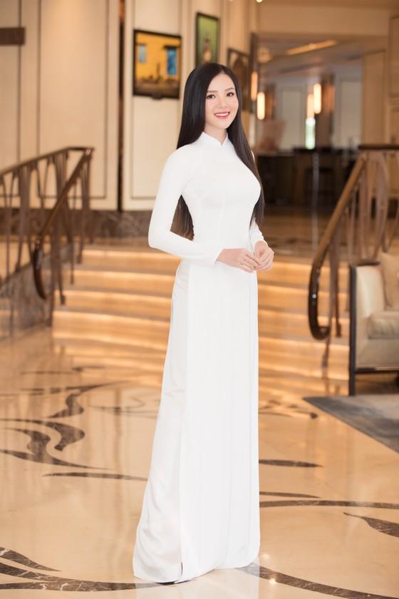 Dàn hoa hậu, á hậu khoe sắc áo dài trắng khởi động Hoa hậu Việt Nam 2020 ảnh 12