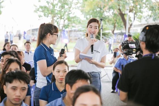 Hoa hậu Đỗ Mỹ Linh, Tiểu Vy cùng 200 tình nguyện viên hiến máu cứu người ảnh 9