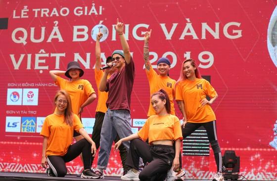 Rộn ràng trước giờ G Lễ trao giải Quả bóng vàng Việt Nam 2019 ảnh 4