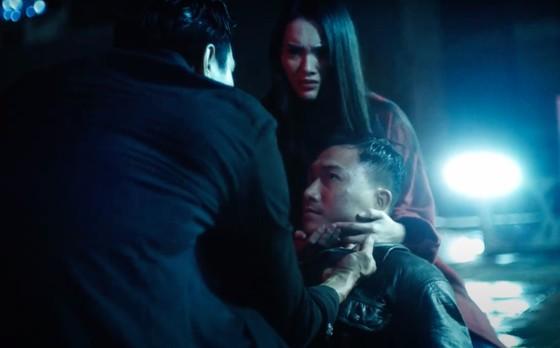 """Cao Thái Sơn tung MV mới kịch tính """"Khóc giữa trời mưa"""" ảnh 7"""