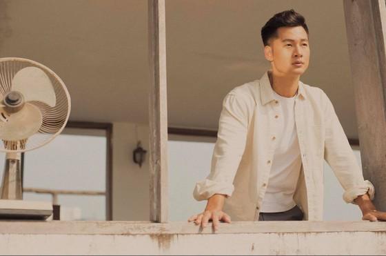 Ca sĩ Đức Tuấn giới thiệu album Trọn một kiếp yêu ảnh 2