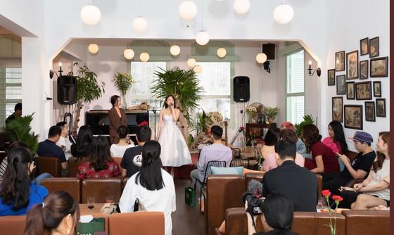 Thái Trinh ra mắt album 'Trinh Acoustic' ảnh 1