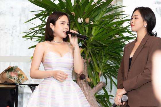 Thái Trinh ra mắt album 'Trinh Acoustic' ảnh 2