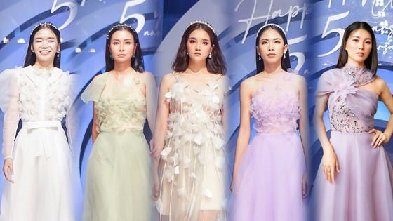 Lan Phương, Phương Oanh, Hương Ly xuất hiện trong show thời trang của NTK Thảo Nguyễn ảnh 8