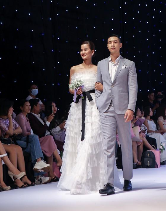 Lan Phương, Phương Oanh, Hương Ly xuất hiện trong show thời trang của NTK Thảo Nguyễn ảnh 5