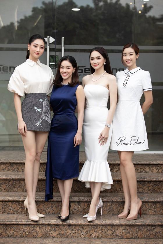 Hương Giang: Ở Việt Nam, muốn thành sao hạng A nhanh nhất là làm hoa hậu ảnh 1