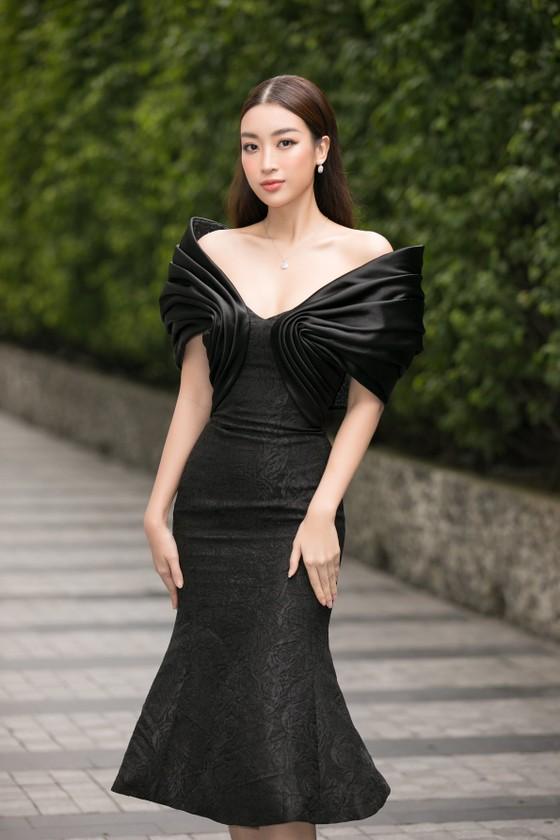 Hoa hậu Đỗ Mỹ Linh, Tiểu Vy thanh lịch tại sơ khảo Hoa hậu Việt Nam 2020 ảnh 3