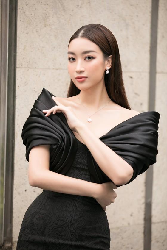 Hoa hậu Đỗ Mỹ Linh, Tiểu Vy thanh lịch tại sơ khảo Hoa hậu Việt Nam 2020 ảnh 4