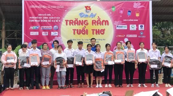 Mang 'Trăng rằm tuổi thơ' về với trẻ em vùng sâu tỉnh Đồng Nai ảnh 2