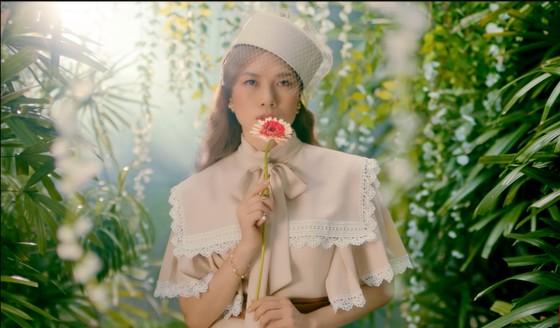 MV mới của Mỹ Tâm lọt Top 9 YouTube sau 12 giờ ra mắt ảnh 1