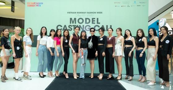 Hoa hậu Khánh Vân sẽ làm 'nàng thơ' tuần lễ thời trang chủ đề 'Rừng' ảnh 6