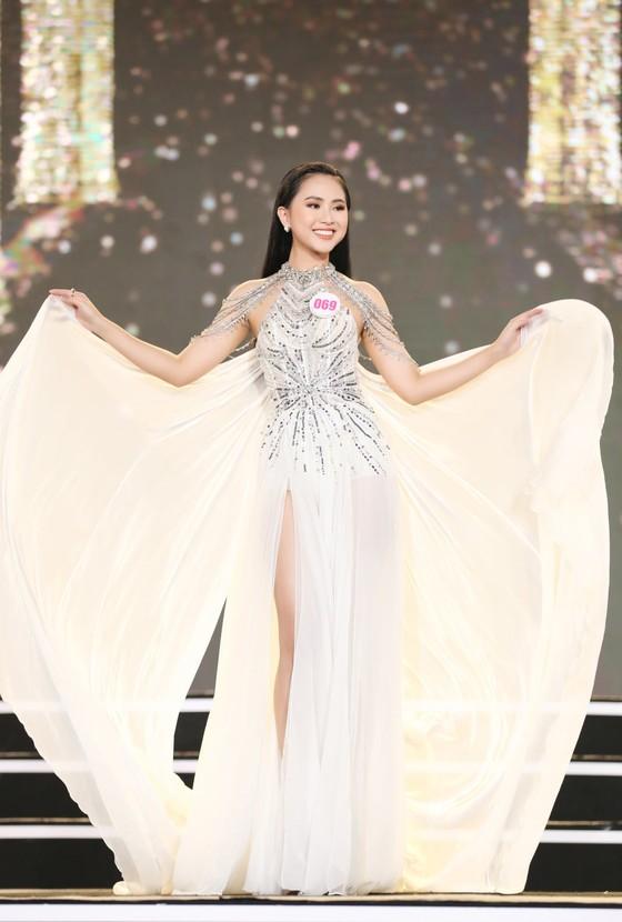 Công bố 35 thí sinh vào Vòng Chung kết Hoa hậu Việt Nam 2020 ảnh 11