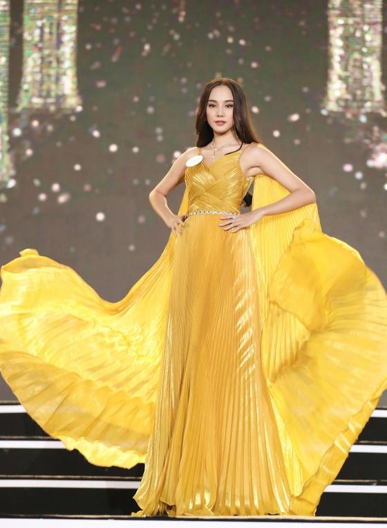 Công bố 35 thí sinh vào Vòng Chung kết Hoa hậu Việt Nam 2020 ảnh 10